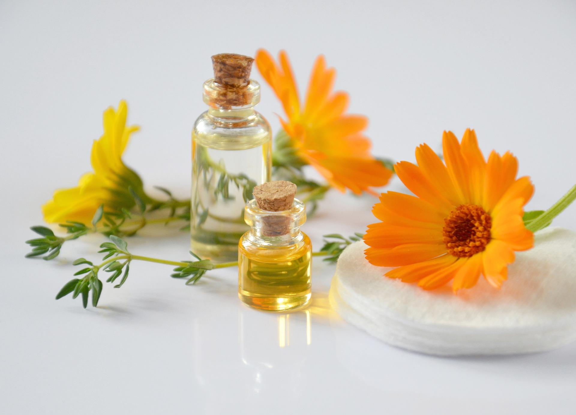 essential-oils-2738555_1920.jpg